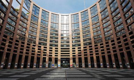 """""""Cosa fa l'Europa per me?"""": il nuovo sito del Parlamento Europeo per raccontare tutte le iniziative nei Paesi UE"""
