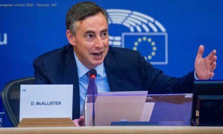 Gli Eurodeputati chiedono un nuovo approccio per l'Afghanistan